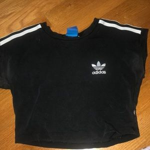 croppedT Adidas shirt